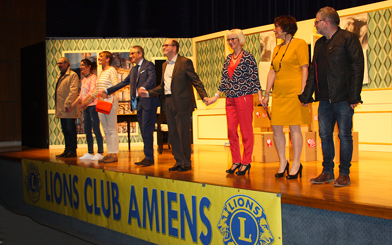 Théâtre : Délit de Fuites pour luter contre le Cancer chez l'Enfant - Salutations en fin de représentation 2018 - Amiens Somme - Lions Clubs du Nord de la France